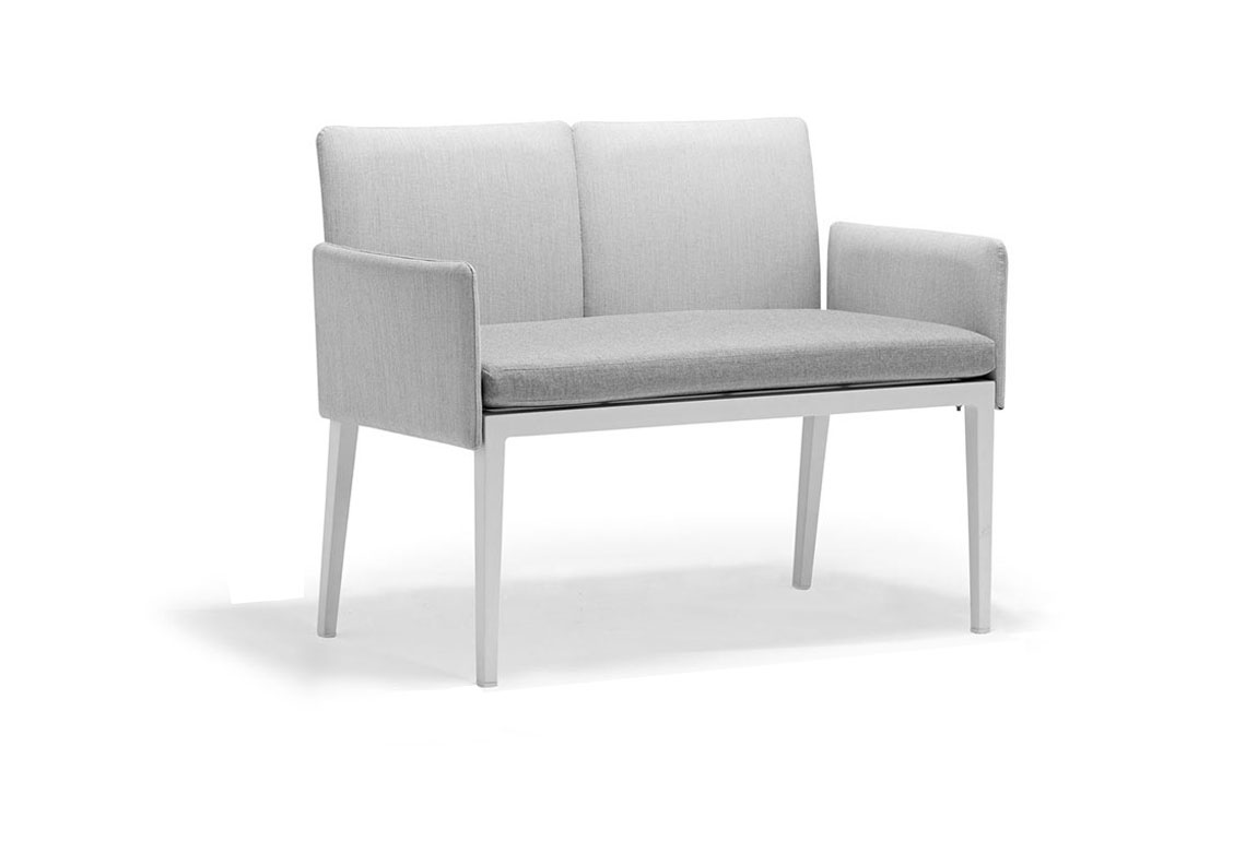 170109 Welcome double dining chair with armrest